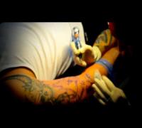 Bizzy Montana: M.A.D.U. TV #3 - Bizzy beim Tattoowierer