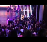 #CivilTV: Iggy Azalea Falls Off Stage While Performing 'Fancy'