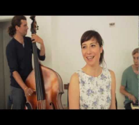 Fiva & Das Phantom Orchester - Dein Lächeln verdreht Köpfe