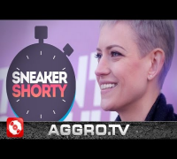 JULIA 'SNEAKERQUEEN' SCHOIERER - SNEAKER SHORTY - TUNRSCHUH.TV (OFFICIAL HD VERSION AGGROTV)