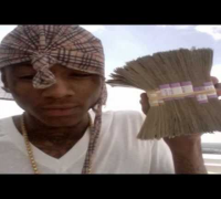 Soulja Boy - Money Is On Me ft. Lil 100