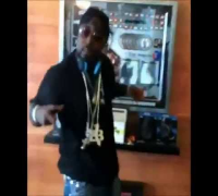 Young Buck Does The Shmoney Dance (Bobby Shmurda - Hot Nigga).